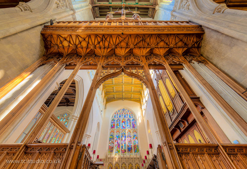 inside St Mary's church Saffron Walden HDR photograph andy mclaughlin tcistudio.co.uk